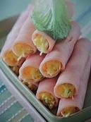 Рулетики из ветчины с сырным муссом